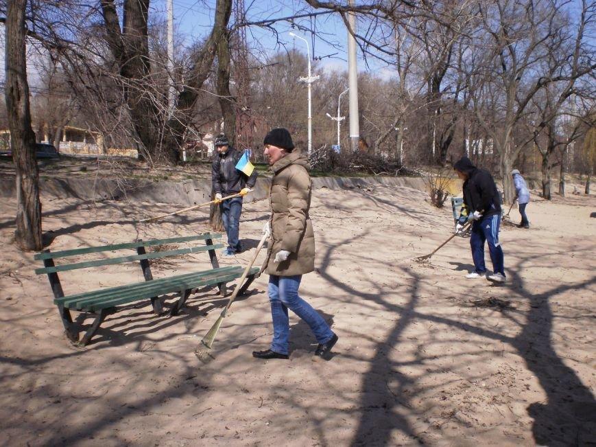 В Мариуполе патриоты Украины провели субботник на пляже (ФОТОРЕПОРТАЖ), фото-6