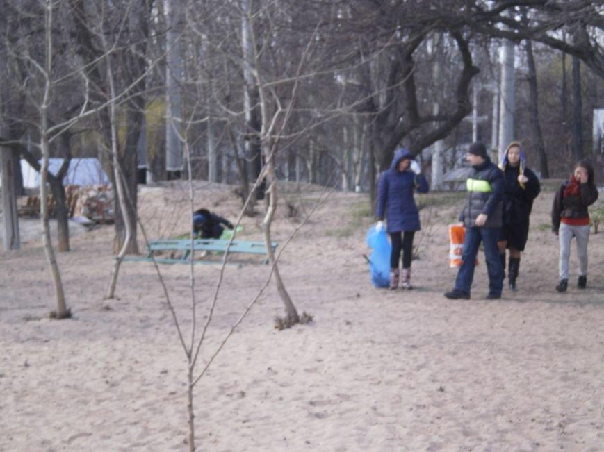 В Мариуполе патриоты Украины провели субботник на пляже (ФОТОРЕПОРТАЖ), фото-3