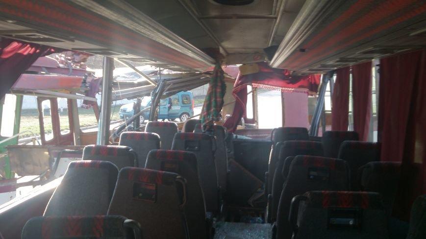 В Донецкой области троллейбус столкнулся с автобусом, в котором ехали дети —четыре человека погибли и 16 пострадали (ФОТО), фото-4