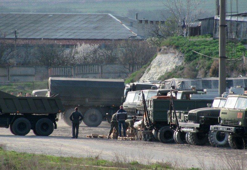 Из Крыма с семьями выезжают украинские военные. Один офицер остается в плену, - Минобороны (ФОТО), фото-3