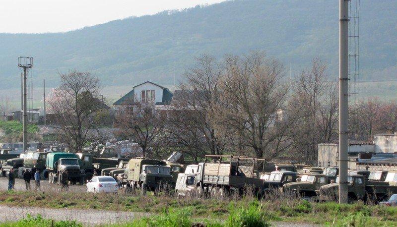 Из Крыма с семьями выезжают украинские военные. Один офицер остается в плену, - Минобороны (ФОТО), фото-2