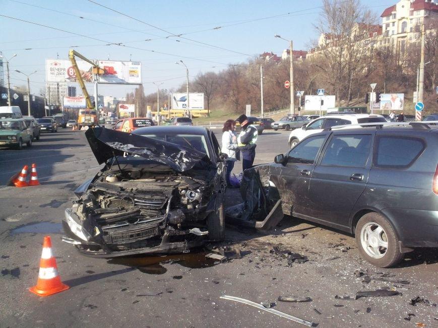 Автомобильная «мясорубка» в центре Харькова: серьезно пострадали 4 человека (ФОТО), фото-1