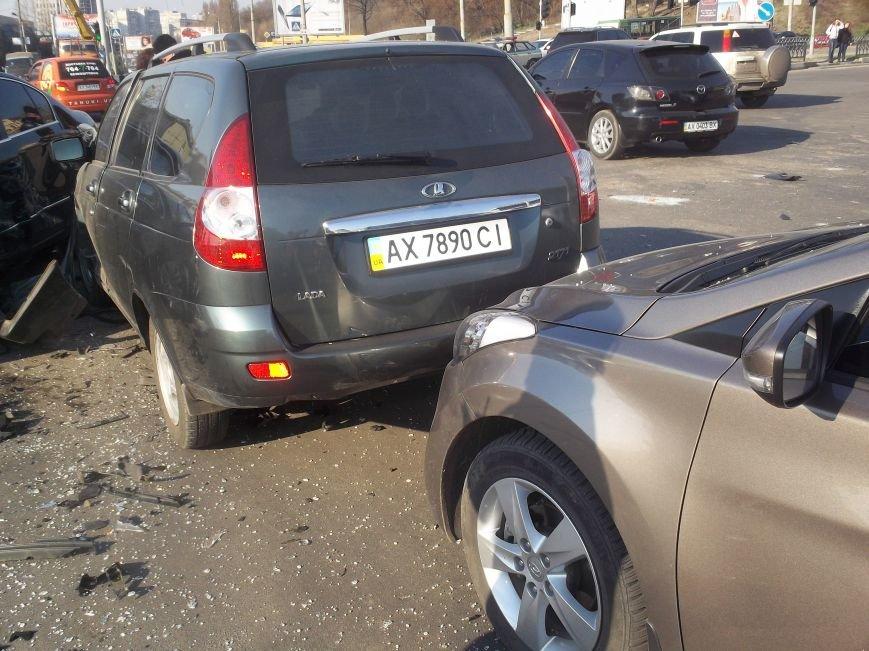 Автомобильная «мясорубка» в центре Харькова: серьезно пострадали 4 человека (ФОТО), фото-2