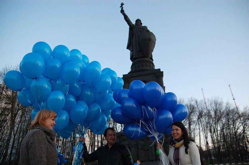 Белгород впервые присоединился к акции «Зажги синим» (фото) - фото 1