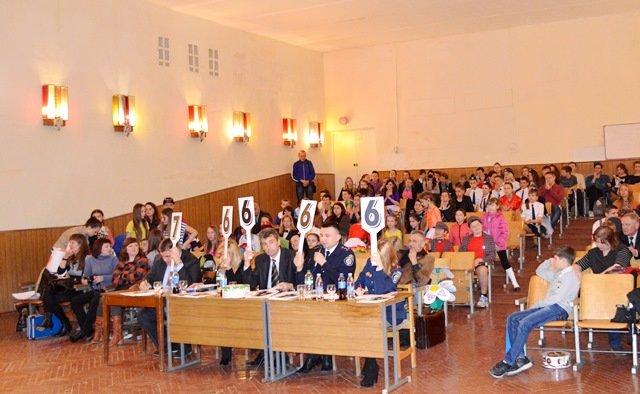 Учні Рівненського економіко-правового ліцею перемогли в обласному конкурсі КВН ЮІР, фото-3