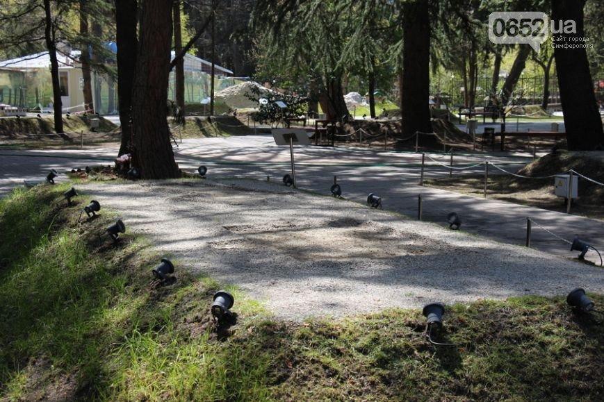 Из Алуштинского парка миниатюр грузовиками вывозили экспонаты (ФОТО), фото-1