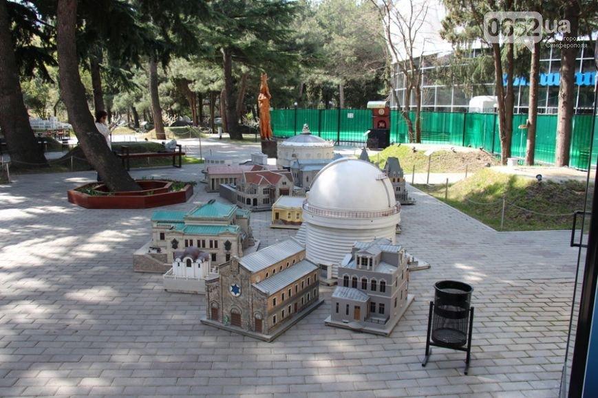 Из Алуштинского парка миниатюр грузовиками вывозили экспонаты (ФОТО), фото-2