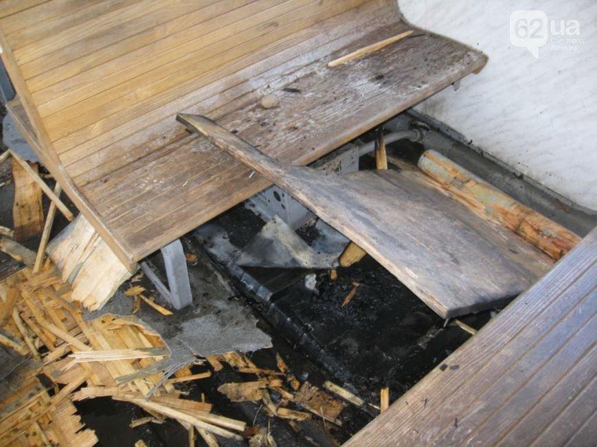 В Донецкой области в пригородном электропоезде произошел пожар (фото) - фото 1