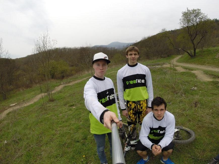 Ялтинская команда «Фрирайт» на первой эндуро-гонке сезона, фото-1