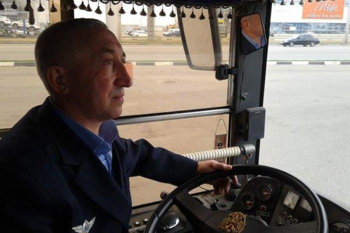 По Белгороду несколько часов ездил бесплатный троллейбус, фото-9
