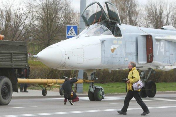 Самолёт Су-24МР установят на Кургане Славы в Гродно (фото), фото-4