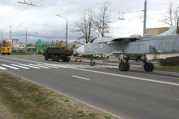 Самолёт Су-24МР установят на Кургане Славы в Гродно (фото), фото-3