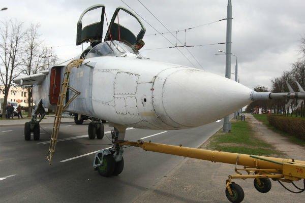 Самолёт Су-24МР установят на Кургане Славы в Гродно (фото), фото-5