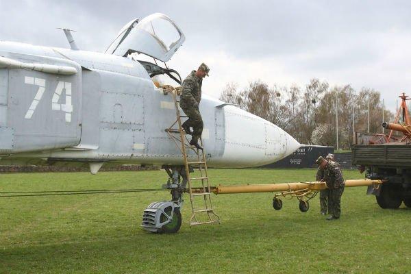 Самолёт Су-24МР установят на Кургане Славы в Гродно (фото), фото-6