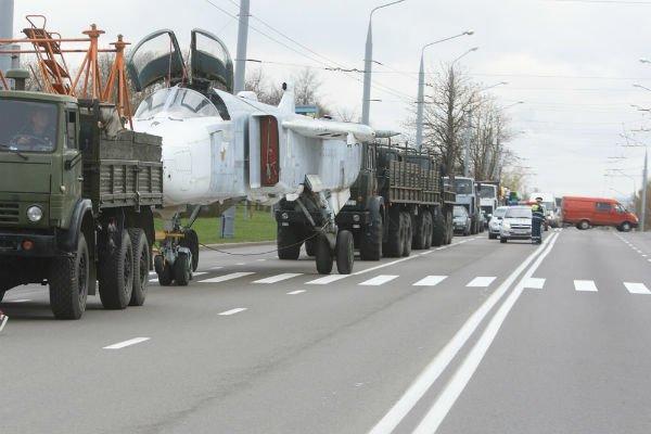 Самолёт Су-24МР установят на Кургане Славы в Гродно (фото), фото-1