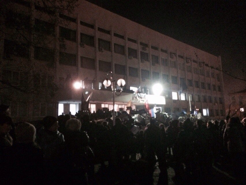 В Мариуполе захвачено здание городского совета (Обновляется+ФОТО), фото-17
