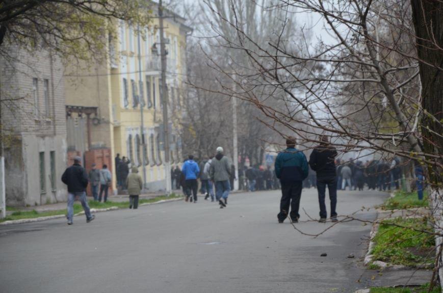 В Мариуполе под стенами ГУ милиции избиты 9 митингующих за единство Украины (ФОТО+ Видео), фото-3