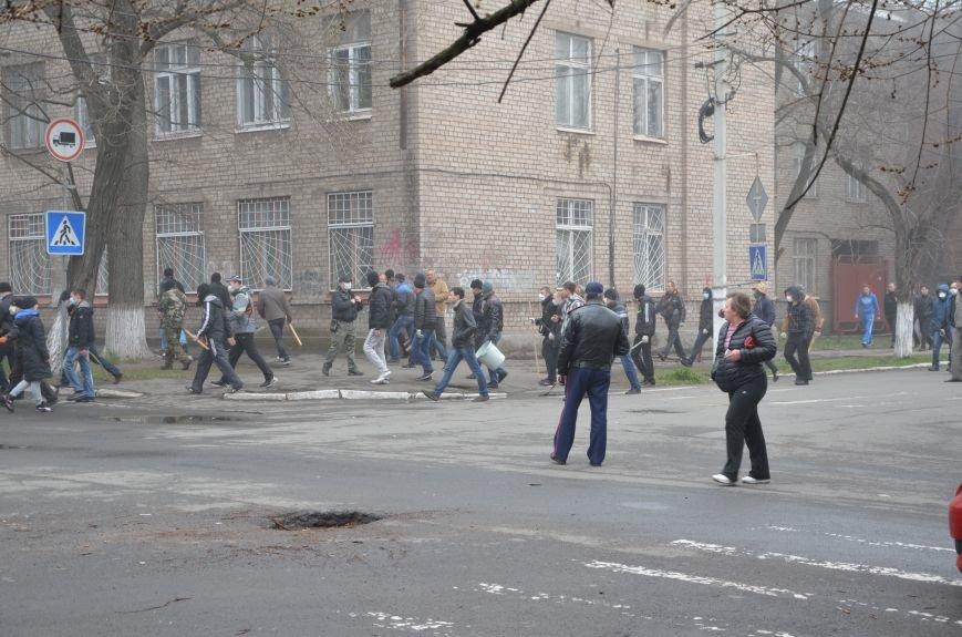 В Мариуполе под стенами ГУ милиции избиты 9 митингующих за единство Украины (ФОТО+ Видео), фото-6