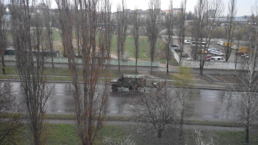 Вулицями Рівного їздить військова техніка (Фото), фото-2
