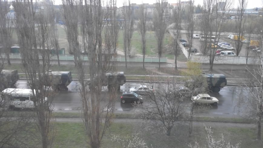 Вулицями Рівного їздить військова техніка (Фото), фото-9