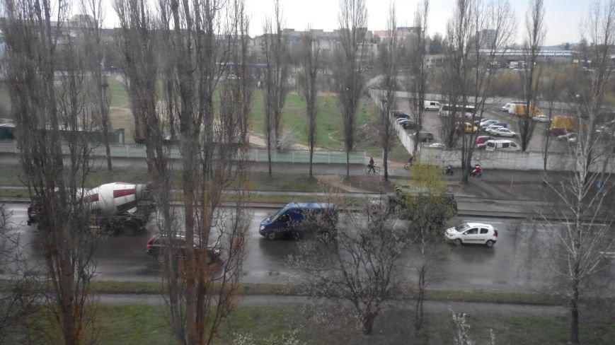 Вулицями Рівного їздить військова техніка (Фото), фото-1
