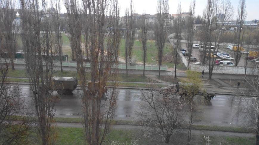 Вулицями Рівного їздить військова техніка (Фото), фото-4