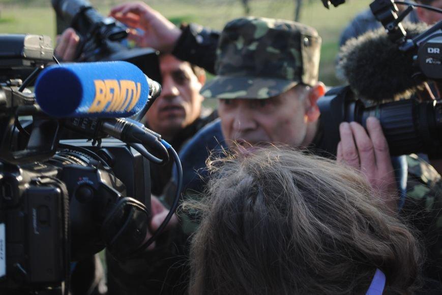 На Краматорском аэродроме высадился десант, были выстрелы. Ситуация напряженная (ФОТО, ВИДЕО), фото-17