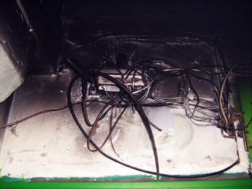 В Днепродзержинске по ул. Димитрова горел подъезд, фото-2