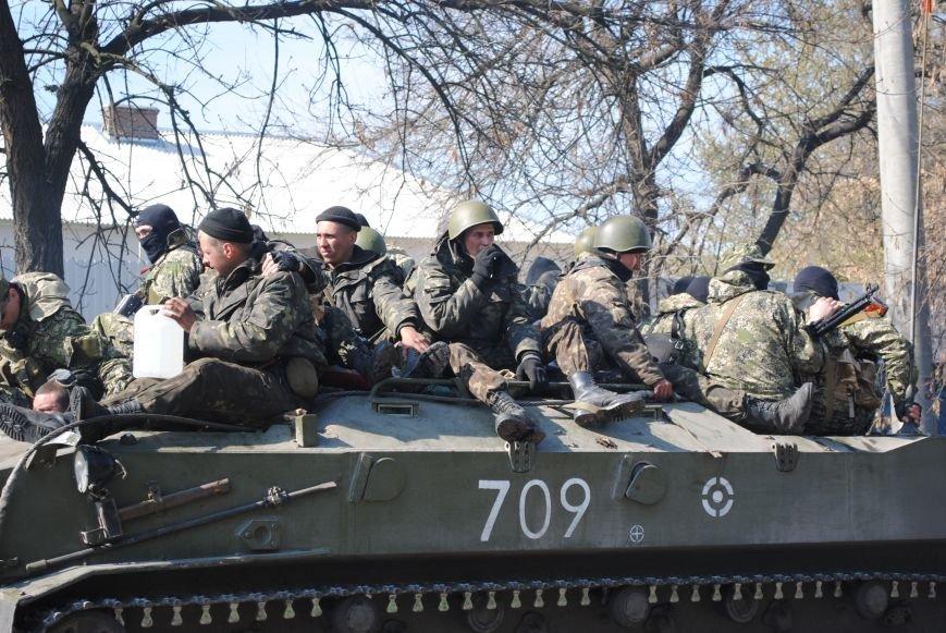 Из Краматорска в сторону Славянска проследовала колонна тяжелой военной техники (ФОТО, ВИДЕО), фото-19