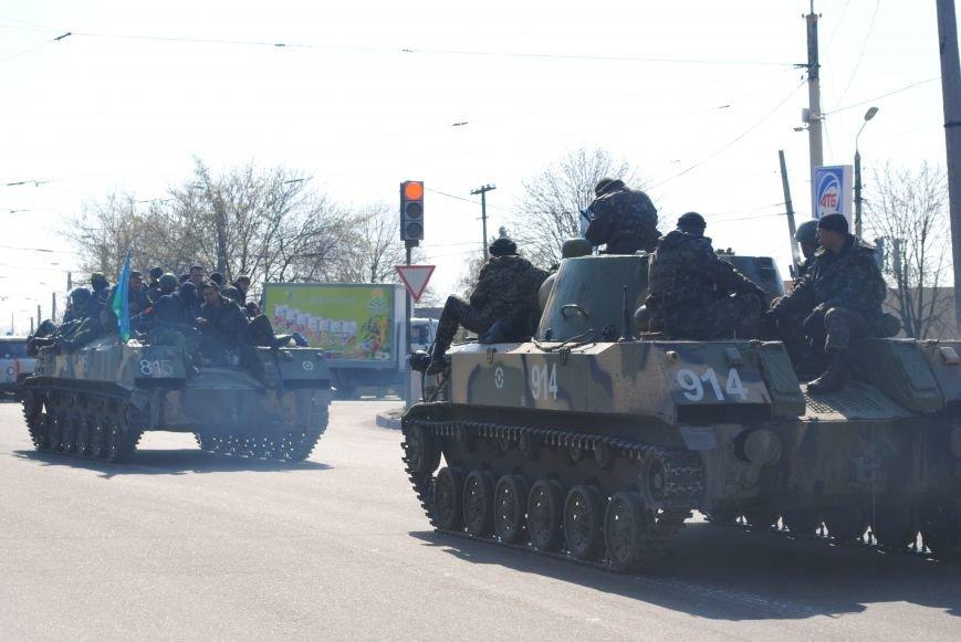 Из Краматорска в сторону Славянска проследовала колонна тяжелой военной техники (ФОТО, ВИДЕО), фото-16