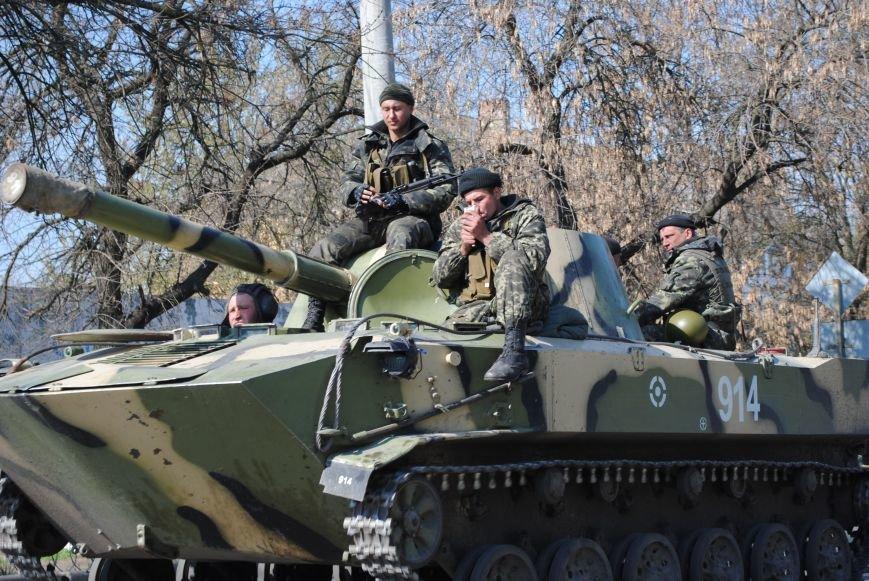 Из Краматорска в сторону Славянска проследовала колонна тяжелой военной техники (ФОТО, ВИДЕО), фото-12