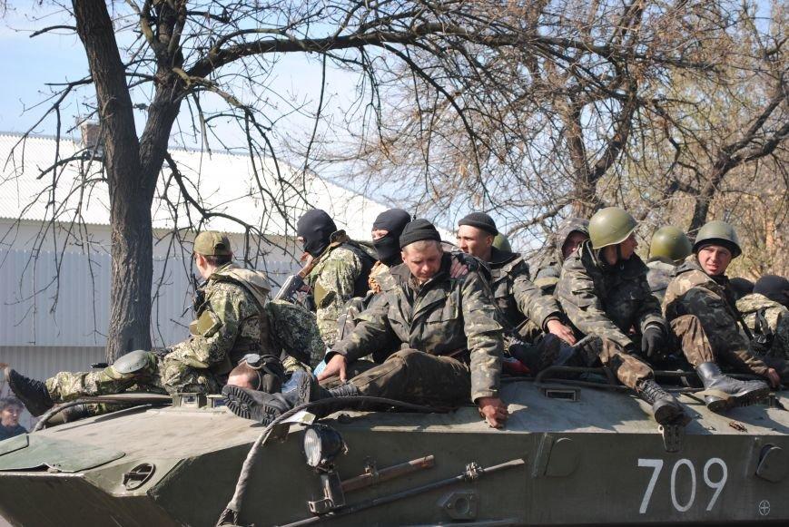 Из Краматорска в сторону Славянска проследовала колонна тяжелой военной техники (ФОТО, ВИДЕО), фото-15