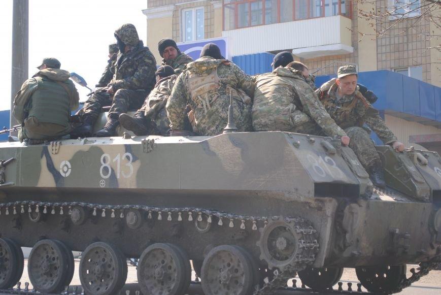 Из Краматорска в сторону Славянска проследовала колонна тяжелой военной техники (ФОТО, ВИДЕО), фото-18