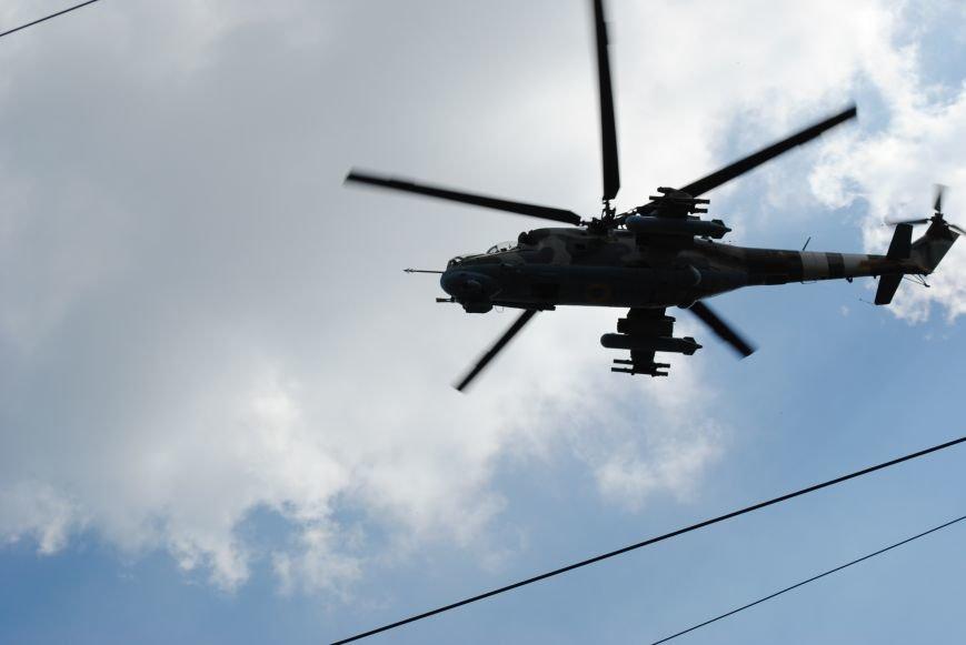 15 БТР с украинской армией в Краматорске переезд на Пчелкино, фото-9