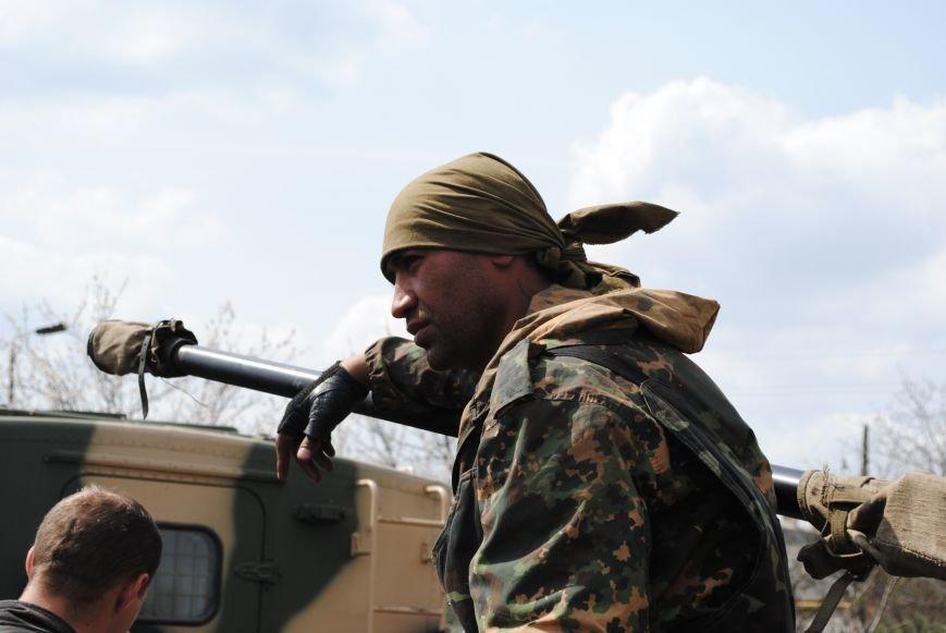 15 БТР с украинской армией в Краматорске переезд на Пчелкино, фото-13