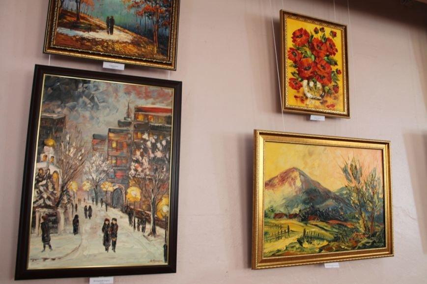 В Артемовском краеведческом музее выставляют «Цветы весны», фото-6