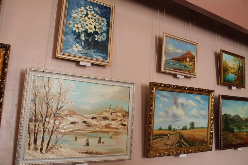 В Артемовском краеведческом музее выставляют «Цветы весны», фото-1