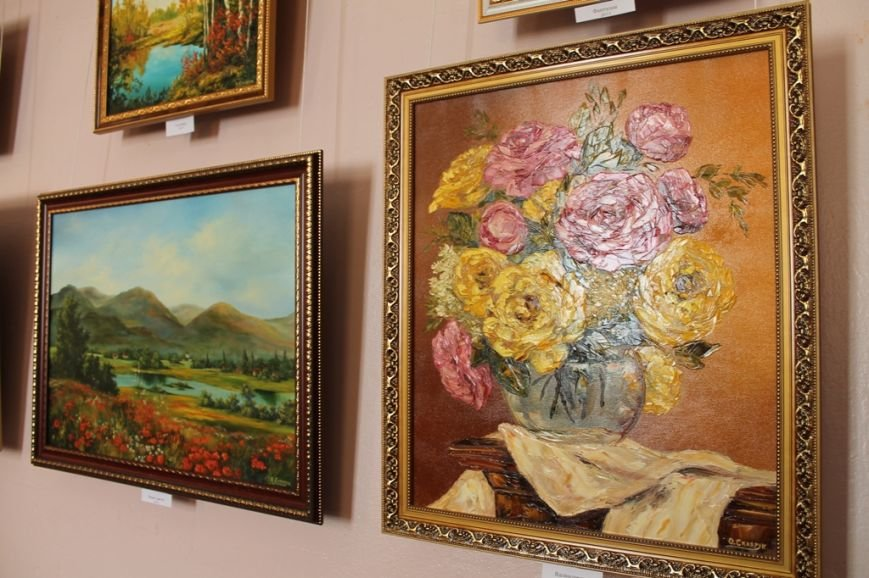 В Артемовском краеведческом музее выставляют «Цветы весны», фото-2