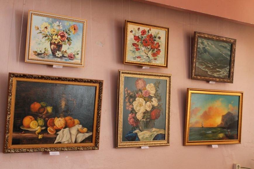 В Артемовском краеведческом музее выставляют «Цветы весны», фото-3