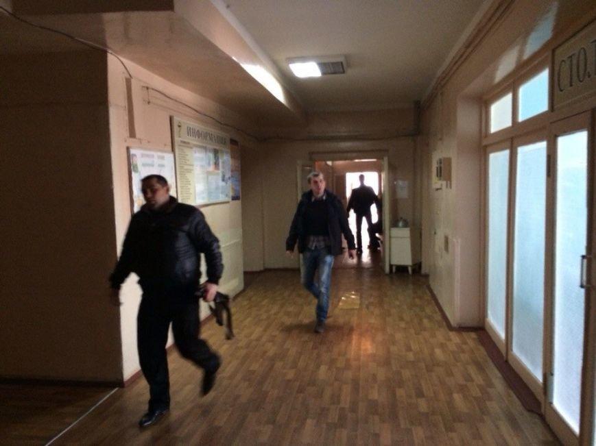 В Мариуполе пострадавший в перестрелке возле воинской части рассказал о событиях минувшей ночи (ФОТО), фото-3