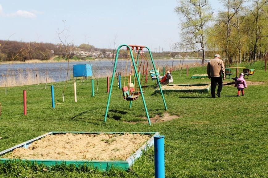 В Артемовске на берегу Северного ставка «высадился» трудовой десант (ФОТО), фото-6