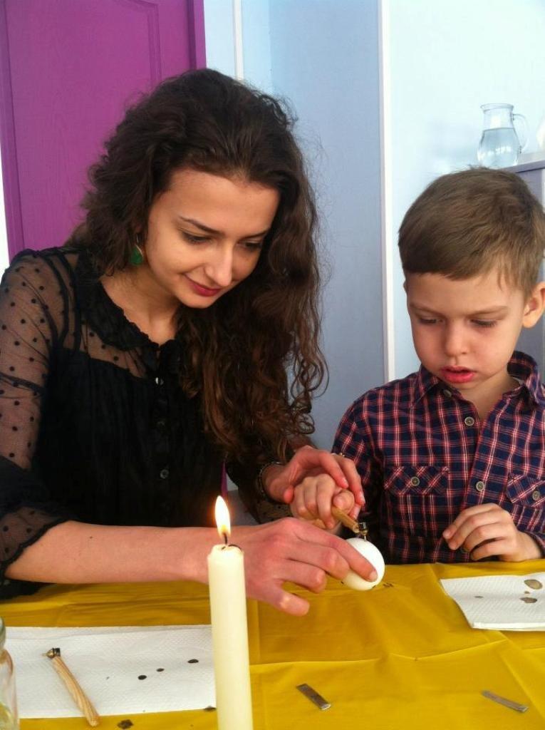 Народный мастер из Артемовска провел мастер-класс для донецких малышей, фото-1