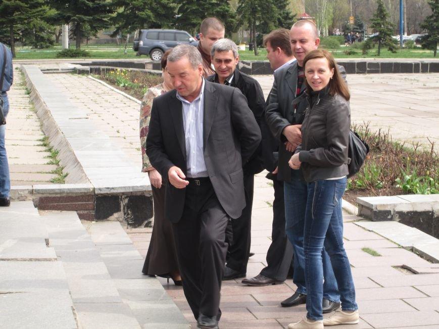 В Горловке снова митинг: сегодня на акцию приехал нардеп Анатолий Гончаров, фото-3