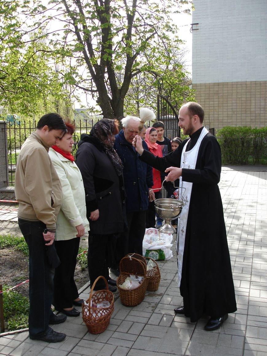 В Полтаве начали святить пасхальные куличи (Фото), фото-5