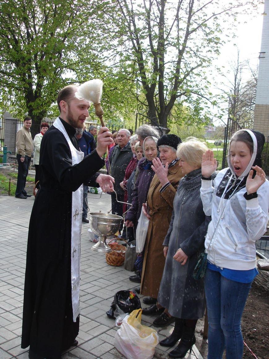 В Полтаве начали святить пасхальные куличи (Фото), фото-1