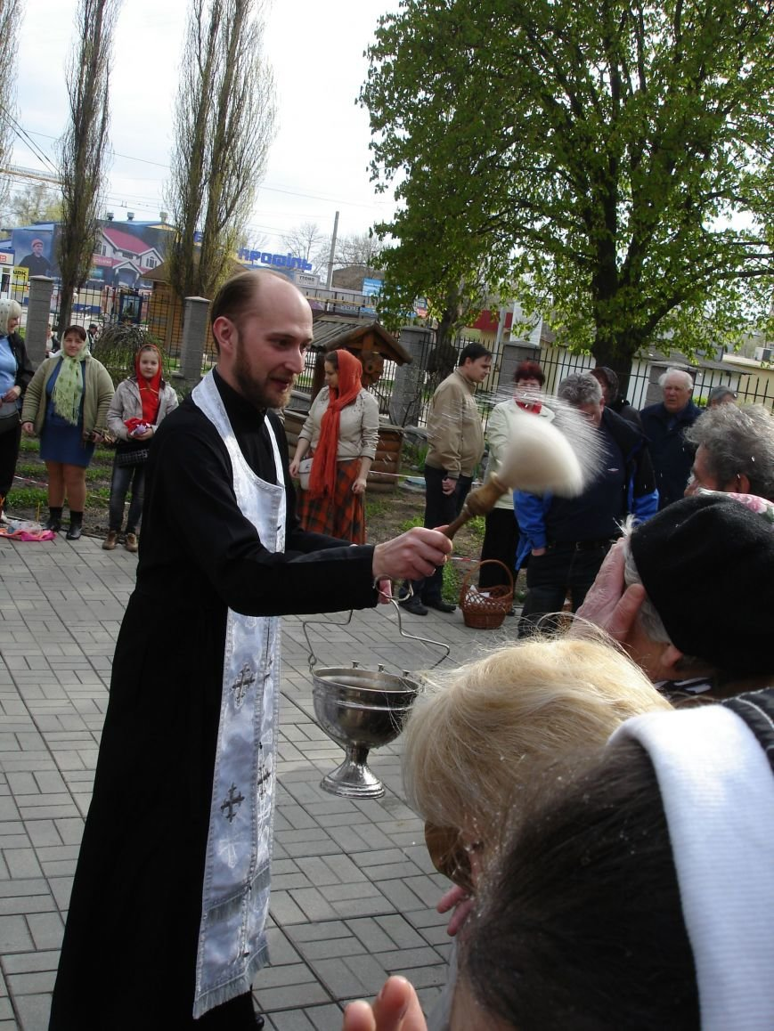 В Полтаве начали святить пасхальные куличи (Фото), фото-2