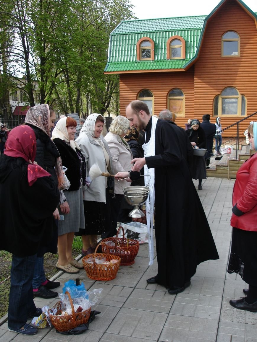 В Полтаве начали святить пасхальные куличи (Фото), фото-8