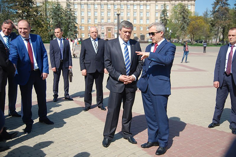 Первые лица Белгорода и области посетили пасхальное богослужение на Соборной площади, фото-7