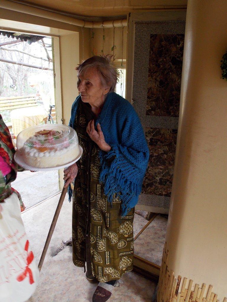 Артемовский благотворительный фонд «ДАР» поздравил ветеранов-инвалидов с Пасхой, фото-2