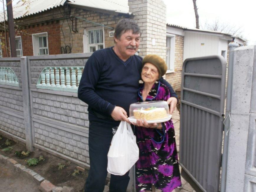 Артемовский благотворительный фонд «ДАР» поздравил ветеранов-инвалидов с Пасхой, фото-10